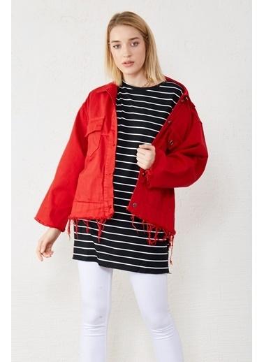 EKA Çift Cep Eteği Eskitmeli Kısa Kot Ceket Kırmızı